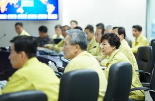 20150820 緊急NSCの朴槿恵 青瓦台.jpg